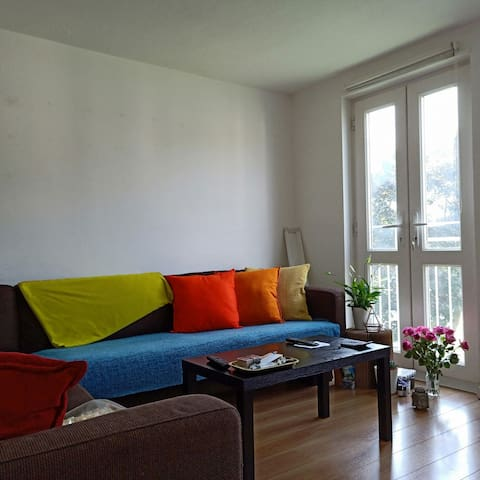 Private room in a friendly flat share N22