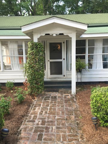 Charming early 1900's cottage. - Magnolia Springs - Hus