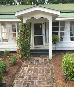 Charming early 1900's cottage. - Magnolia Springs - House