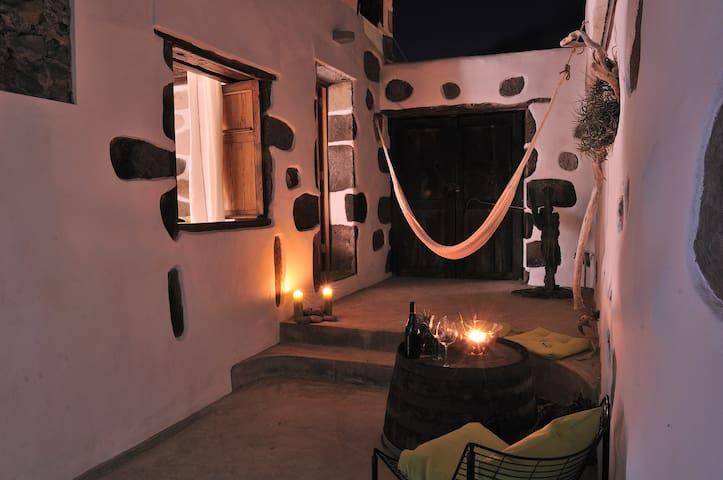 EL SUSURRO ECOLIVING_Villa Pardela - San Juan de la Rambla - Haus