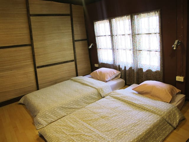 129/3 Backpacker Hostel-Triple Room - Chiang Mai - Huis