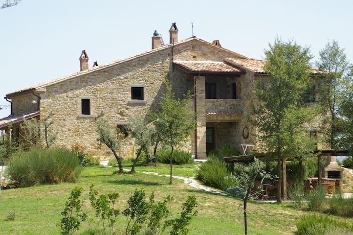 Il Corniolo Apartment 4 +2 - Monte Santa Maria Tiberina - Huoneisto