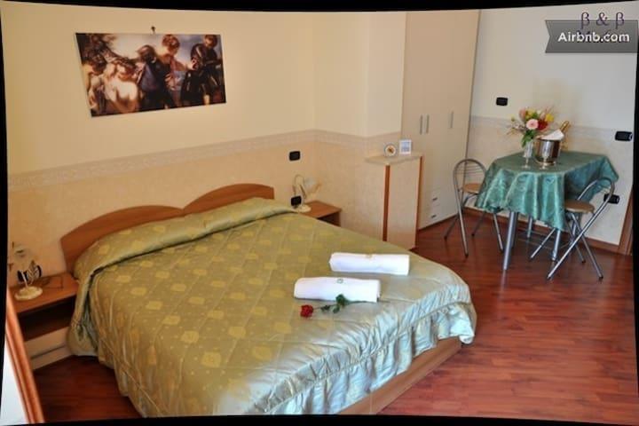 camere confortevoli centro storico - Gricignano di Aversa - Wikt i opierunek