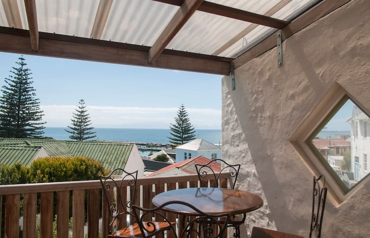 Kalk Bay with pool and sea view - Kapstadt - Haus