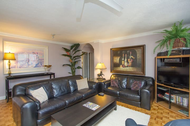 Affordable, Location & Views. Downtown High-rise!