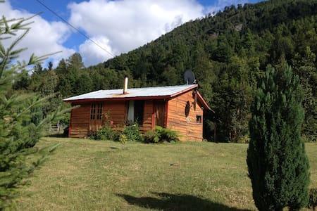 Cabaña Rustica de Montaña - Curarrehue