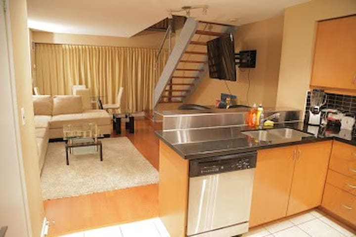2bed/baths 2 storey loft