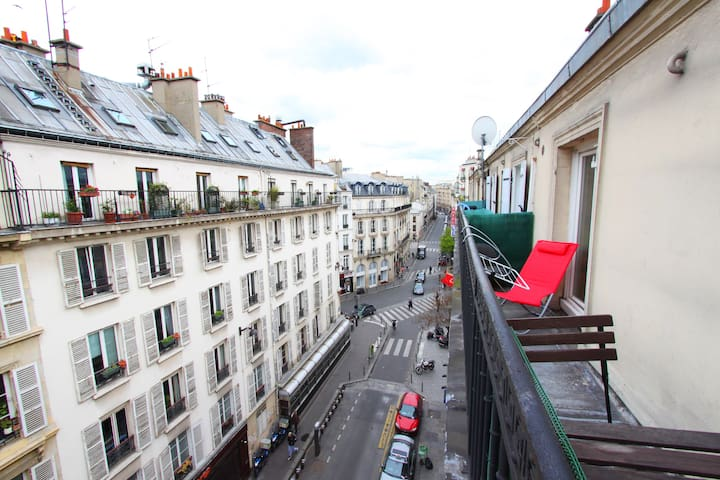 Brand new lovely studio + balcony Sopi montmartre