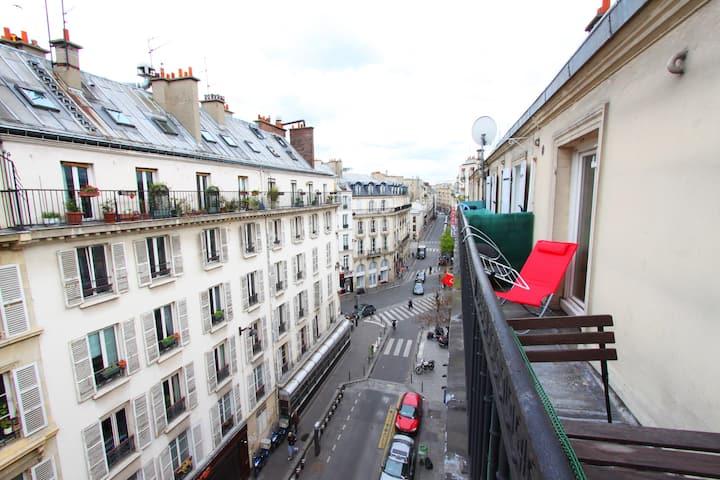 Brand new lovely studio + balcony Sopi montmartre