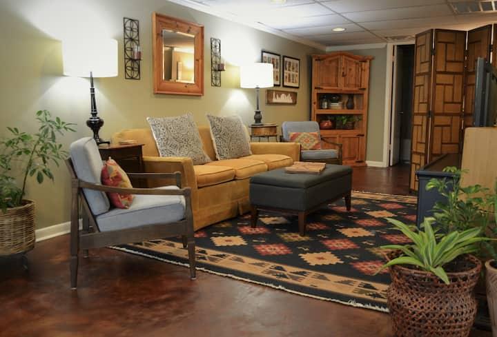 Cozy Green Hills apartment (1 mi from Lipscomb U.)