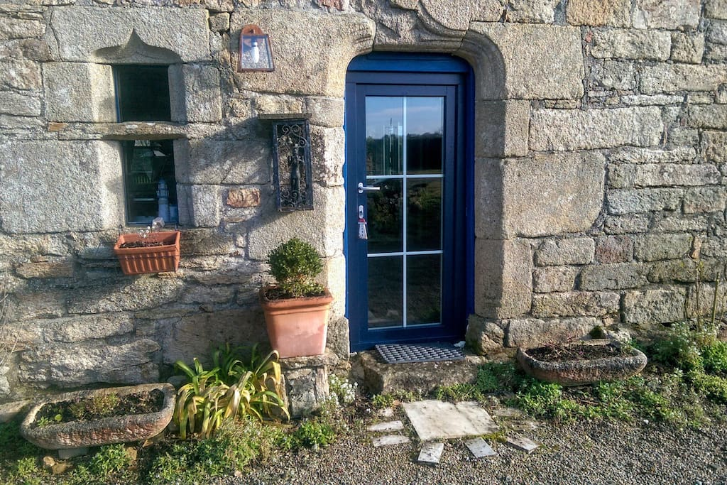 entry with new door