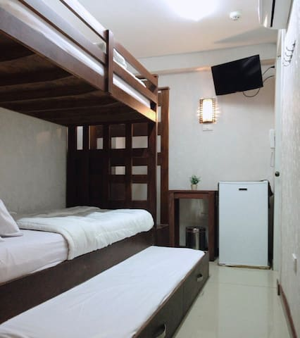 Blue Paseo Grande Inn- Trio Room