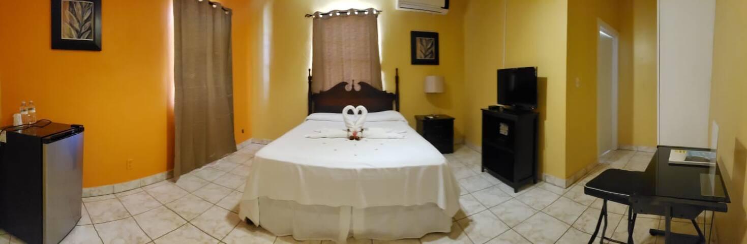 Sunset Ridge Hotel (Single Room)