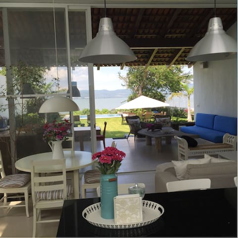 Hermosa Casa Frente al Lago Chapala