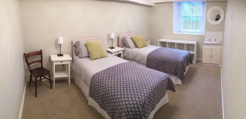 Alzola Apartment - St Helier - Apartment