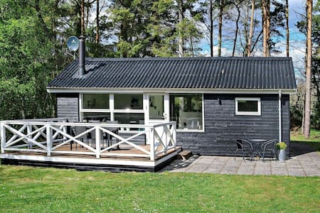 Tranquil Holiday Home in Hadsund near Sea