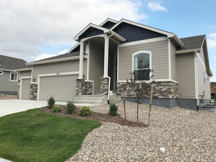 Beautiful new home in Monument with mountain views