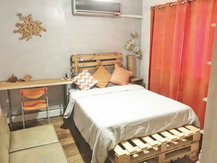 Charming Room (in a Mandaluyong home)