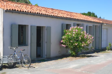 une maison de village sur l'ile d'Aix - Île-d'Aix