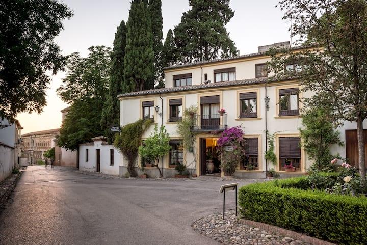 Hotel América en pleno corazón de la Alhambra