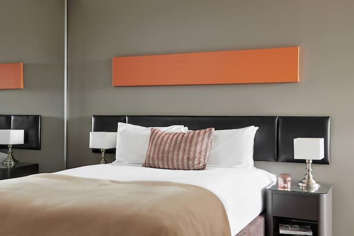 Dandenong 14 nights - Two Bedroom Apartment