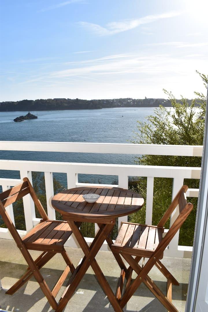 Studio avec balcon vue sur mer