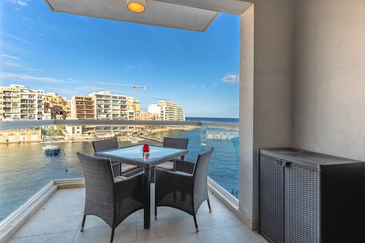 Seafront two bedroom apartment