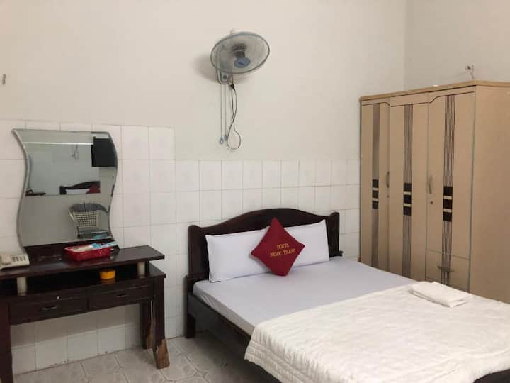 Nice Double Room at Ngoc Thanh Hotel