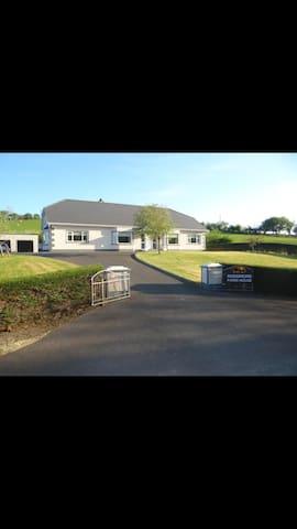 Rossmore Farmhouse B&B