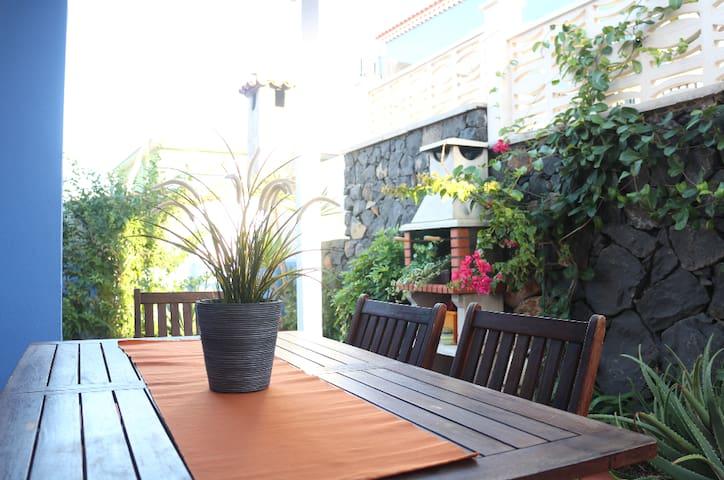 Casa con jardín entre el mar y la montaña - San Cristóbal de La Laguna - House