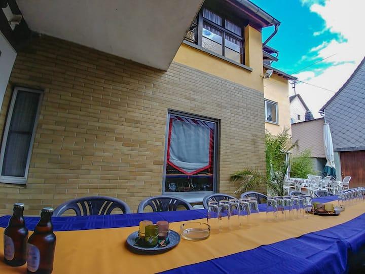 Fam. Gasthaus, zwischen Kastellaun und Simmern