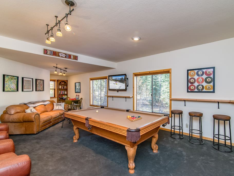 The game room on the 1st floor is perfect for family gatherings.