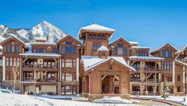 Alpine Haven - Luxury 2BR/2.5BA Ski-In/Ski-Out