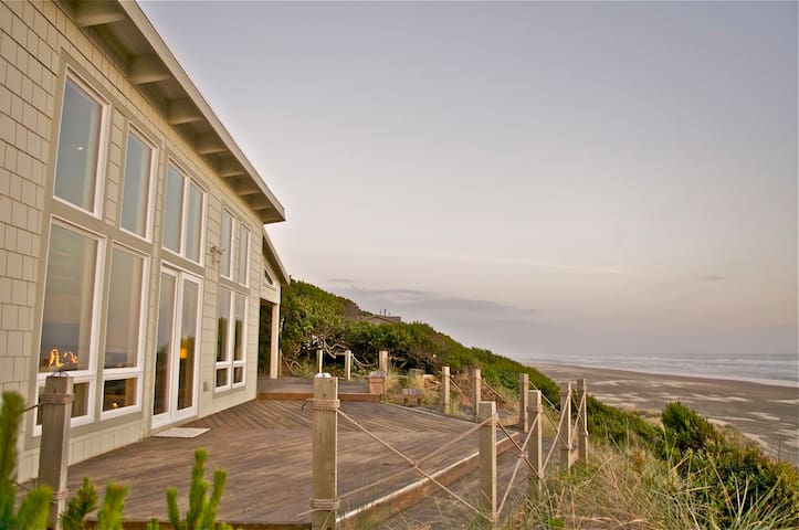 TheJackWest StunningOceanfront Home - Waldport