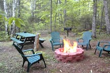 FIRE PIT AND BARBECUE - One of two spots along the river where you can gather to roast marshmallows.