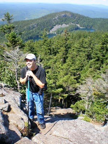 BORESTONE MOUNTAIN - A must see. This Audubon sanctuary has 360-degree views and is walking distance from the cabin.