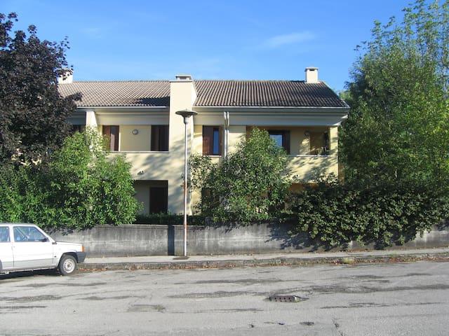 ALLOGGIO IN ZONA TRANQUILLA - Pieve di Soligo - Apartemen