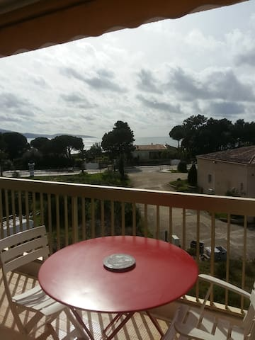 Appartement F3 avec terrasse - Golfe de Sagone - Vico