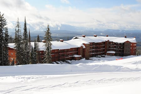 Big White 2 Bedroom Premium Condo with Hot Tub - Appartement en résidence