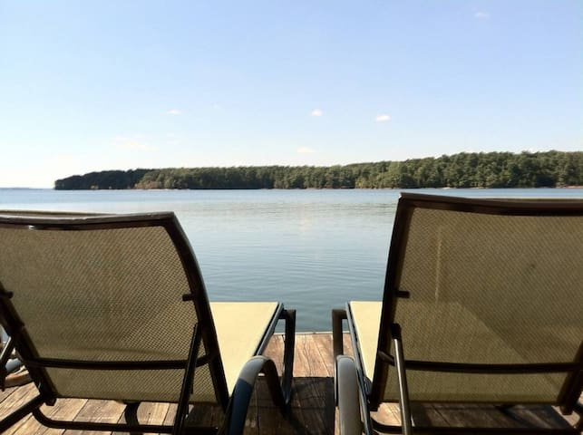 Lake Hartwell Waterfront Big Water w/ Boat Dock