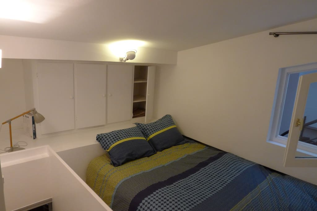 White room, double bed 140/190