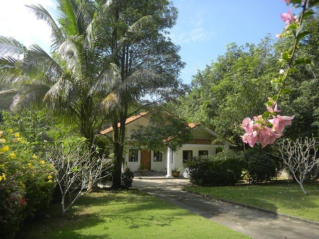 White Swan Villa Koh Chang Thailand