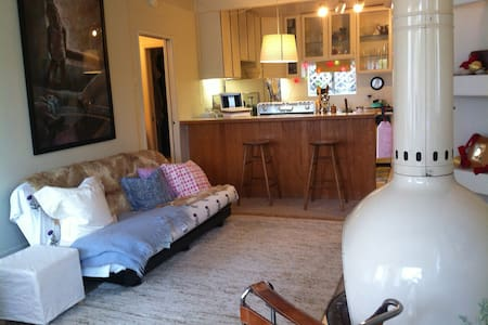 airy, light filled studio apartment - San Anselmo - Appartement