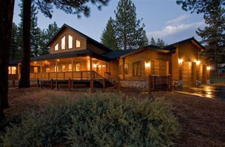 Heavenly Valley Estate - 1 Mi to Skiing, Game Room - South Lake Tahoe - House