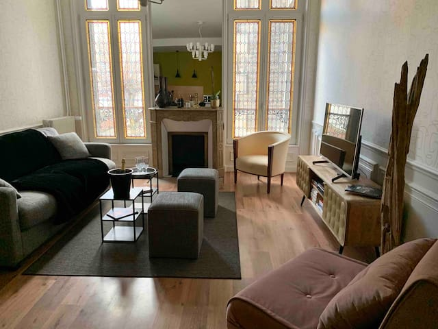 AUGUSTE,appartement luxueux en plein centre ville