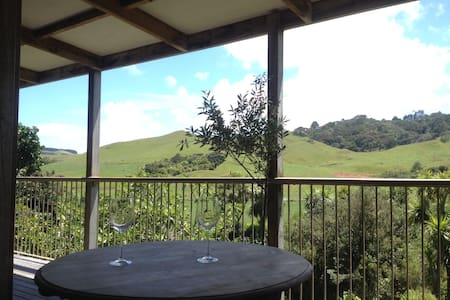 Cabbage Tree Cottage - Awhitu