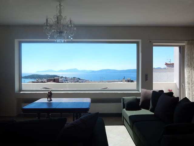 Philoxenia Luxury Apartment