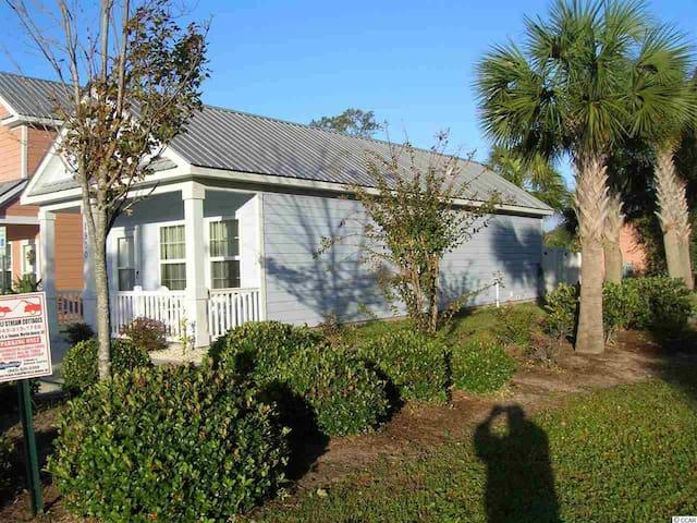 Corner Beach House a Block from Beach-Read Reviews - Myrtle Beach - Townhouse