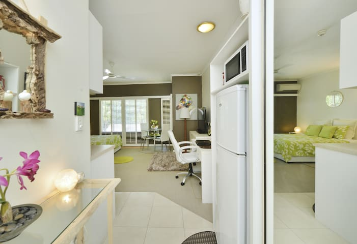 STYLISH STUDIO @ RAMADA RESORT - Port Douglas - Appartement