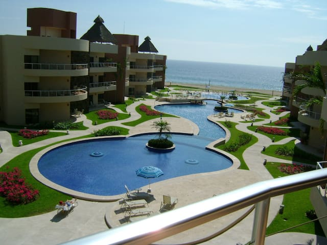 Lux 3 Bd Playa Grande Barra Navidad - Cihuatlan - アパート